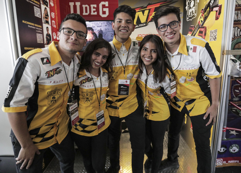 Equipo Escudería TNT Racing, de la Preparatoria Tonalá de la UdeG.