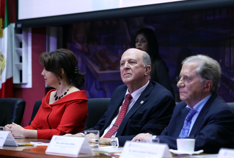 El Rector General de la Universidad de Guadalajara, doctor Miguel Ángel Navarro Navarro.