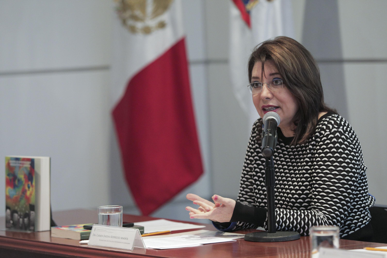 Vicerrectora Ejecutiva, doctora Carmen Rodríguez Armenta, haciendo uso de la palabra durante el segundo Coloquio de Cuerpos Académicos 2018