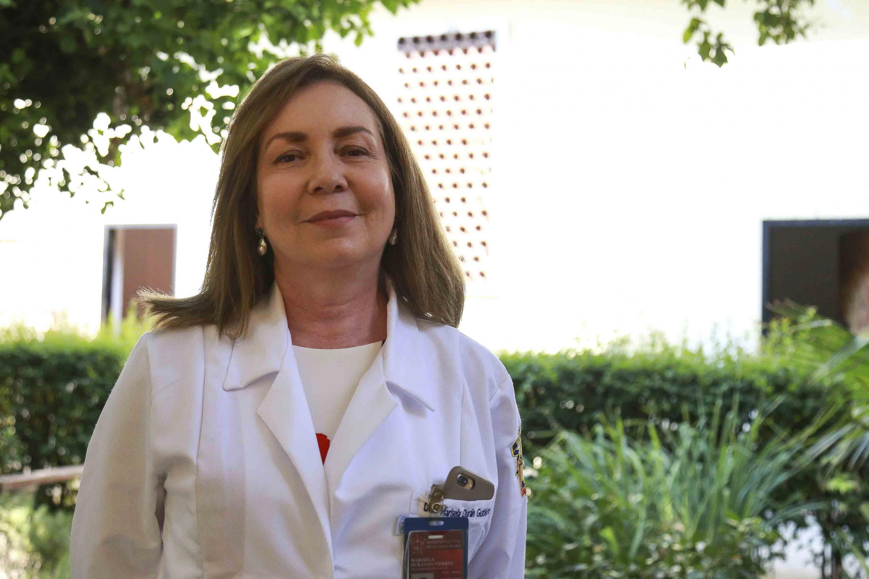 """Doctora Marisela Durán Gutiérrez, encargada de la Clínica del Sueño, del Hospital Civil de Guadalajara (HCG), unidad """"Fray Antonio Alcalde""""."""