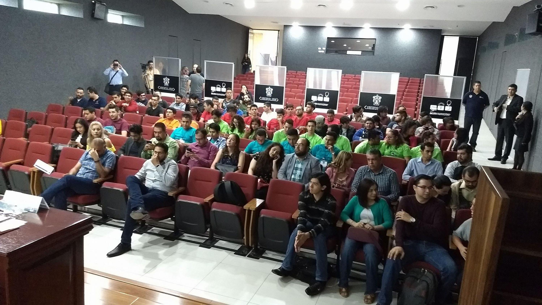 Asistentes ala inauguración del Campamento de Programación Competitiva UdeG