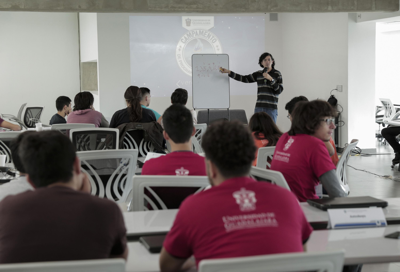 Participantes al Campamento de Programación Competitiva UdeG