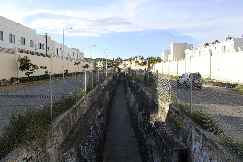 Canal de aguas pluviales en la colonia La Martinica