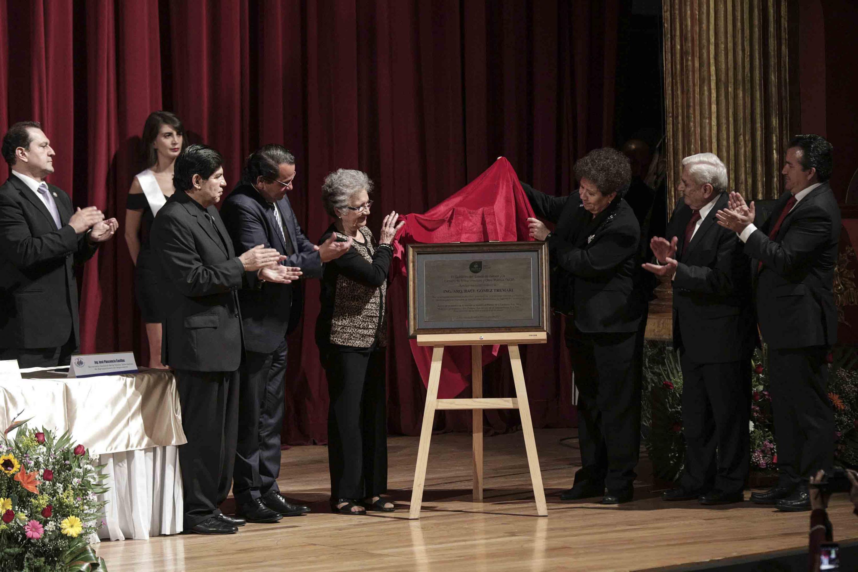 Acto de develación de placa del arquitecto Raúl Gómez Tremari, Maestro Emérito de la Universidad de Guadalajara.