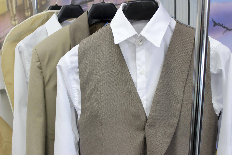 Nuevos uniformes confeccionados en CUAAD para los conductores de calandria en Guadalajara.