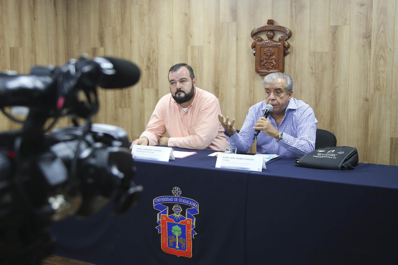 Especialistas del Departamento de Producción Forestal, del Centro Universitario de Ciencias Biológicas y Agropecuarias de la Universidad de Guadalajara; en rueda de prensa para dar a conocer las causas de la caída de árboles en la ciudad.