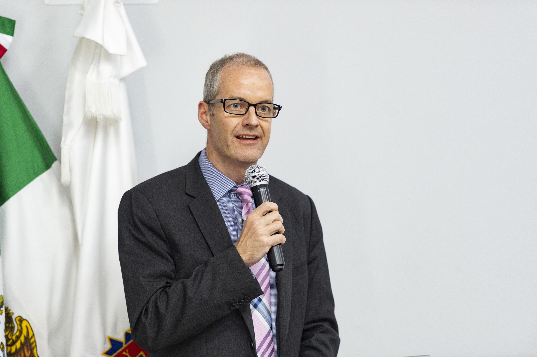 Donald Chisholm durante su participación en el foro