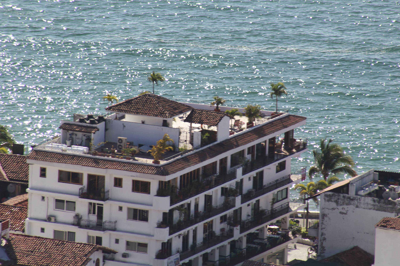Una de las construcciones tradicionales frente al Malecon de Puerto Vallarta