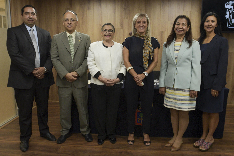 Rueda de prensa donde se dio a conocer que La licenciatura en Química del Centro Universitario de Ciencias Exactas e Ingenierías (CUCEI), de la Universidad de Guadalajara, obtuvo la acreditación internacional por parte de la organización ABET