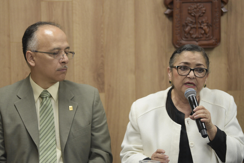 Rectora del CUCEI, doctora Ruth Padilla Muñoz