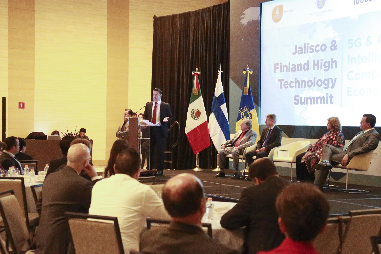 Gobernador de Jalisco, maestro Jorge Aristóteles Sandoval Díaz, haciendo uso de la palabra