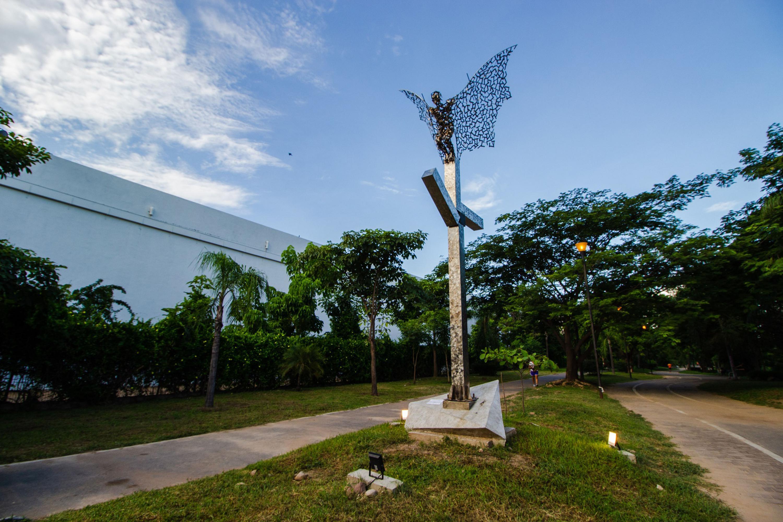 Hecha en metal se coloco en un parque lineal de Puerto Vallarta