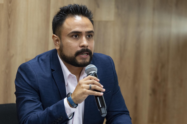 Coordinador de Extensión del colegio, ingeniero José Iván Sandoval Soto