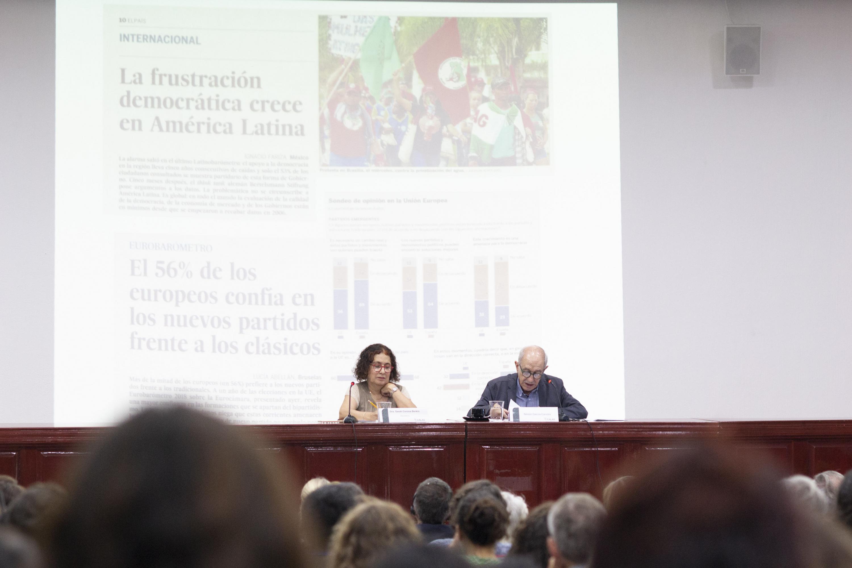 El doctor Nestor García estuvo acompañado de una moderadora en el presidio