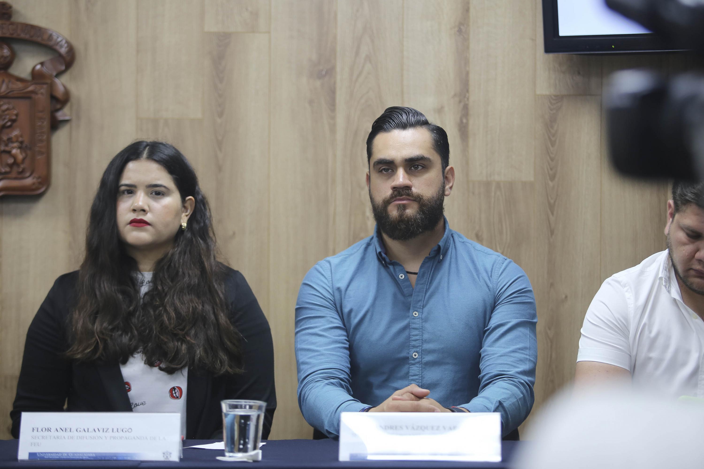 Andres Vazquez Vargas participando en rueda de prensa