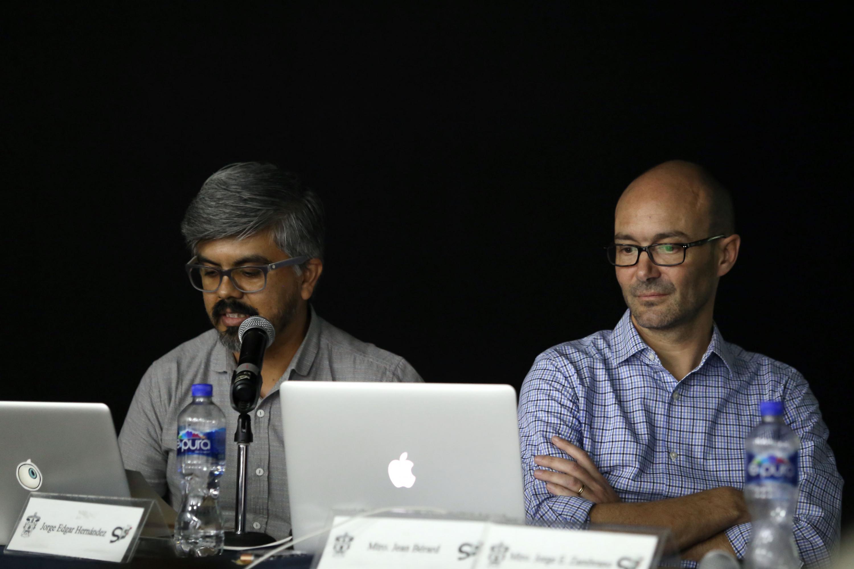 Jorge Edgar Hernandez y el aestro Jean Berard durante la presentacion