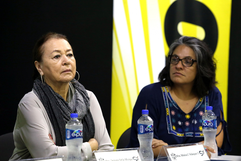 maestra Dolores Ortiz Minique y maestra Mónica Velázquez Ornelas
