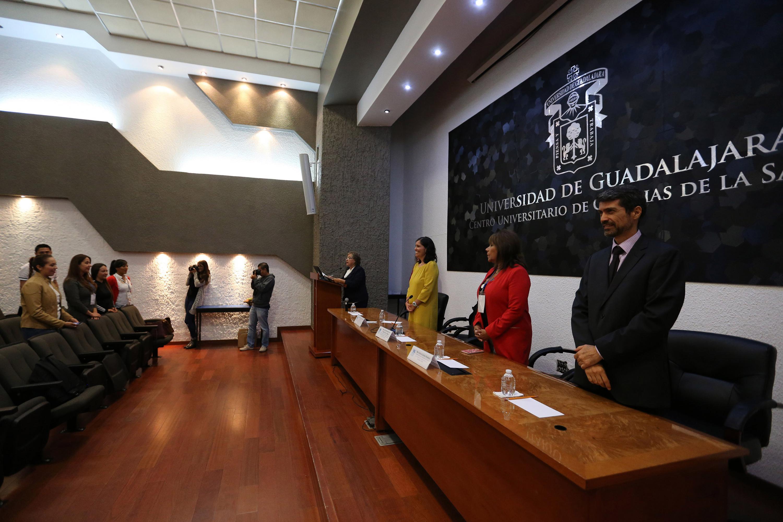 Panelistas participantes de la ceremonia de inauguración del coloquio  de Investigación sobre Determinantes de Salud en la Adolescencia; realizada en instalaciones del CUCS.