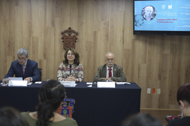 Rueda de prensa para anunciar la conferencia magistral del académico e investigador español, doctor Manuel Castells Oliván