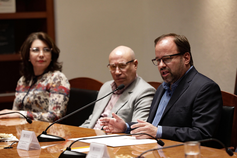 El Coordinador General de Planeación y Desarrollo Institucional es el maestro Rubén Juan Sebastián García Sánchez y hablo en la firma del convenio