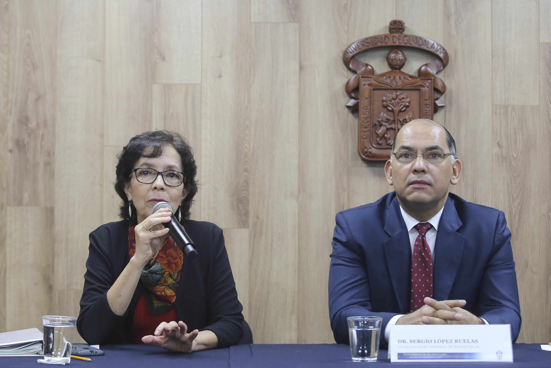 Jefa de la Unidad de Inclusión, de la Coordinación General de Extensión de la UdeG, doctora Myriam del Carmen Cárdenas Torres, haciendo uso de la palabra durante rueda de prensa