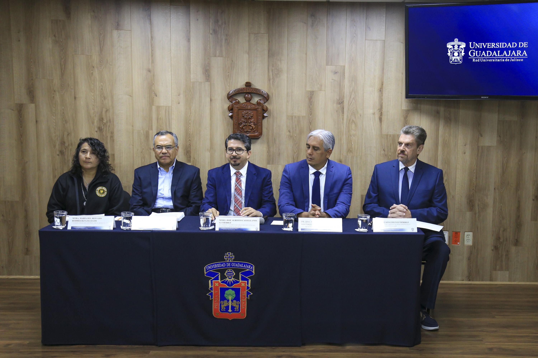 Rueda d eprensa para anunciar que a partir del próximo semestre se abrirá la Ingeniería en Negocios en el Centro Universitario de Ciencias Económico Administrativas (CUCEA)