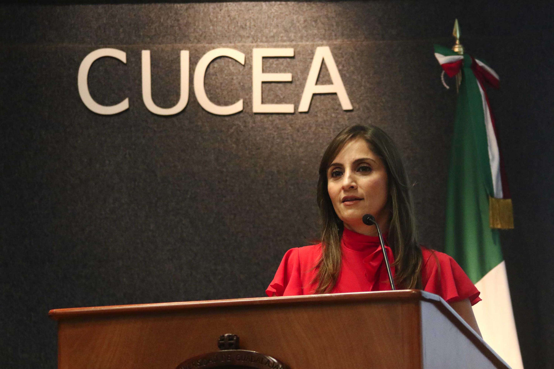 Comisionada Presidente del Instituto de Transparencia, Información Pública y Protección de Datos Personales del Estado de Jalisco (ITEI), maestra Cynthia Patricia Cantero Pacheco, haciendo uso de la palabra durante el acto inaugural