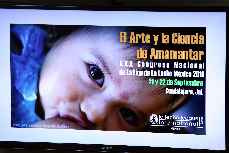 """Cartel con texto informativo sobre el """"Arte y la Ciencia de Amamantar"""" del XXX Congreso Nacional de la Liga de la Leche México 2018."""