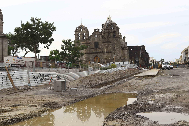 Calles totalmente bloqueadas por lasobras de construcción a los alrededores de la catedral por la línea de tren eléctrico 3.