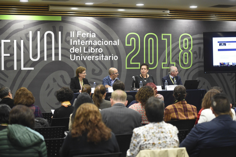 """Coloquio Internacional """"Redes de lectura, edición y distribución"""