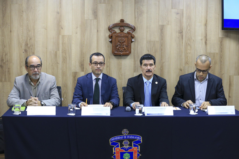 Miembros participantes de la rueda de prensa.