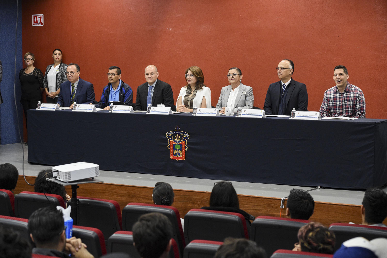 Trigésimo tercer Foro Nacional de Estadística y el décimo tercer Congreso Latinoamericano de Sociedades de Estadística, cuya sede es el Centro Universitario de Ciencias Exactas e Ingenierías (CUCEI