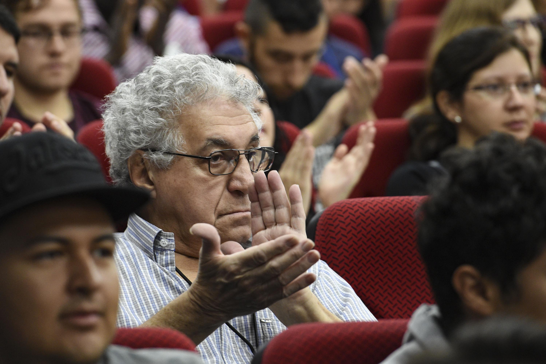 Asistente al Trigésimo tercer Foro Nacional de Estadística y el décimo tercer Congreso Latinoamericano de Sociedades de Estadística