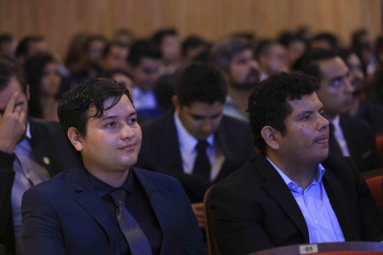 Alumnos que fueron reconocidos durante la ceremonia
