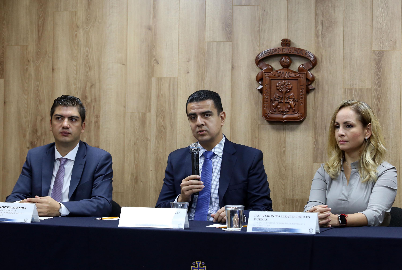 Titular de la Coordinación General de Tecnologías de la Información (CGTI), doctor Luis Alberto Gutiérrez Díaz de León, haciendo uso de la palabra durante la rueda de prensa