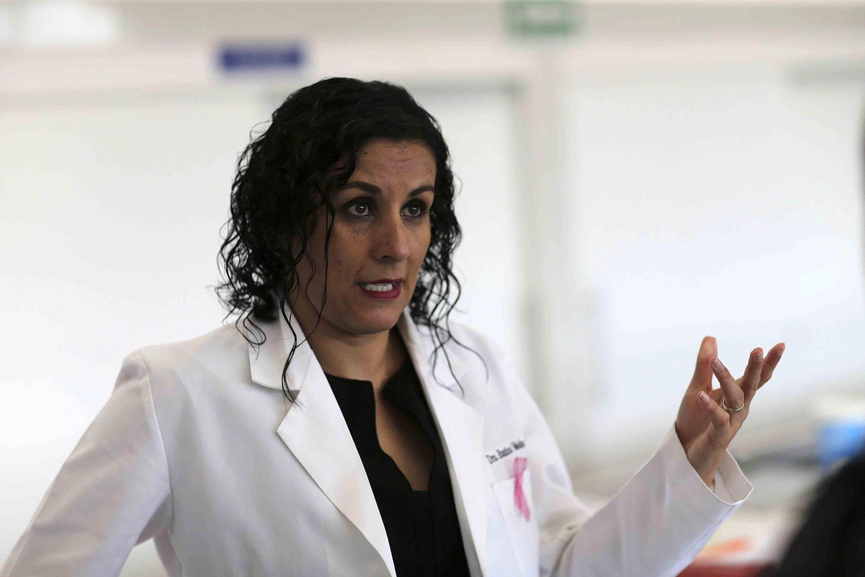 La doctora Eunice Medina Díaz es académica del Departamento de Farmacobiología del CUCEI