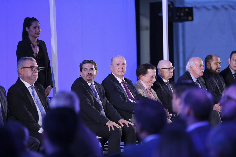 La inauguración se llevó a cabo en las instalaciones del CUCEA con la presencia de autoridades universitarias