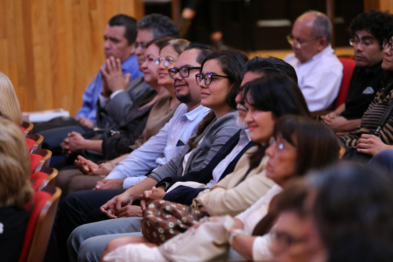 Publico asistente a la Conferencia magistral sobre historiografía en México, dentro de la décimo quinta Reunión Internacional de Historiadores de México