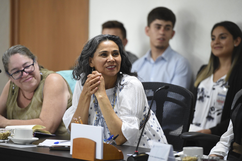 """Mujer entusiasta, participante del Seminario Internacional """"Equidad de género en el trabajo"""""""