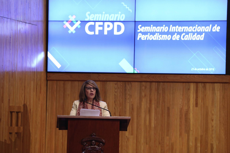Rectora de UDGVirtual, doctora María Esther Avelar Álvarez, haciendo uso de la palabra