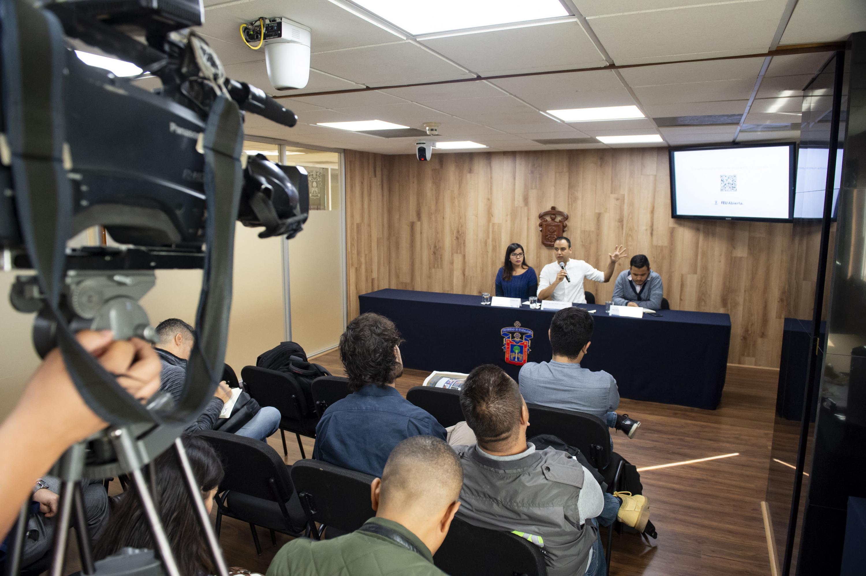 La presentación se realizó en la sala de prensa de UDG
