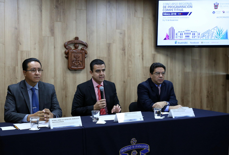 Coordinador General de Tecnologías de Información (CGTI), doctor Luis Alberto Gutiérrez Díaz de León, haciendo uso de la palabra durante la rueda de prensa