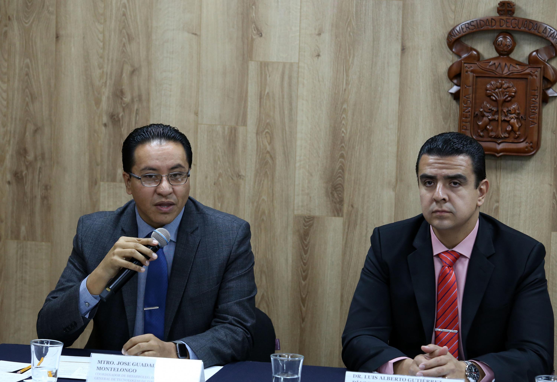 Coordinador de Desarrollo de la CGTI, maestro José Guadalupe Morales Montelongo, haciendo uso de la palabra durante la rueda de prensa