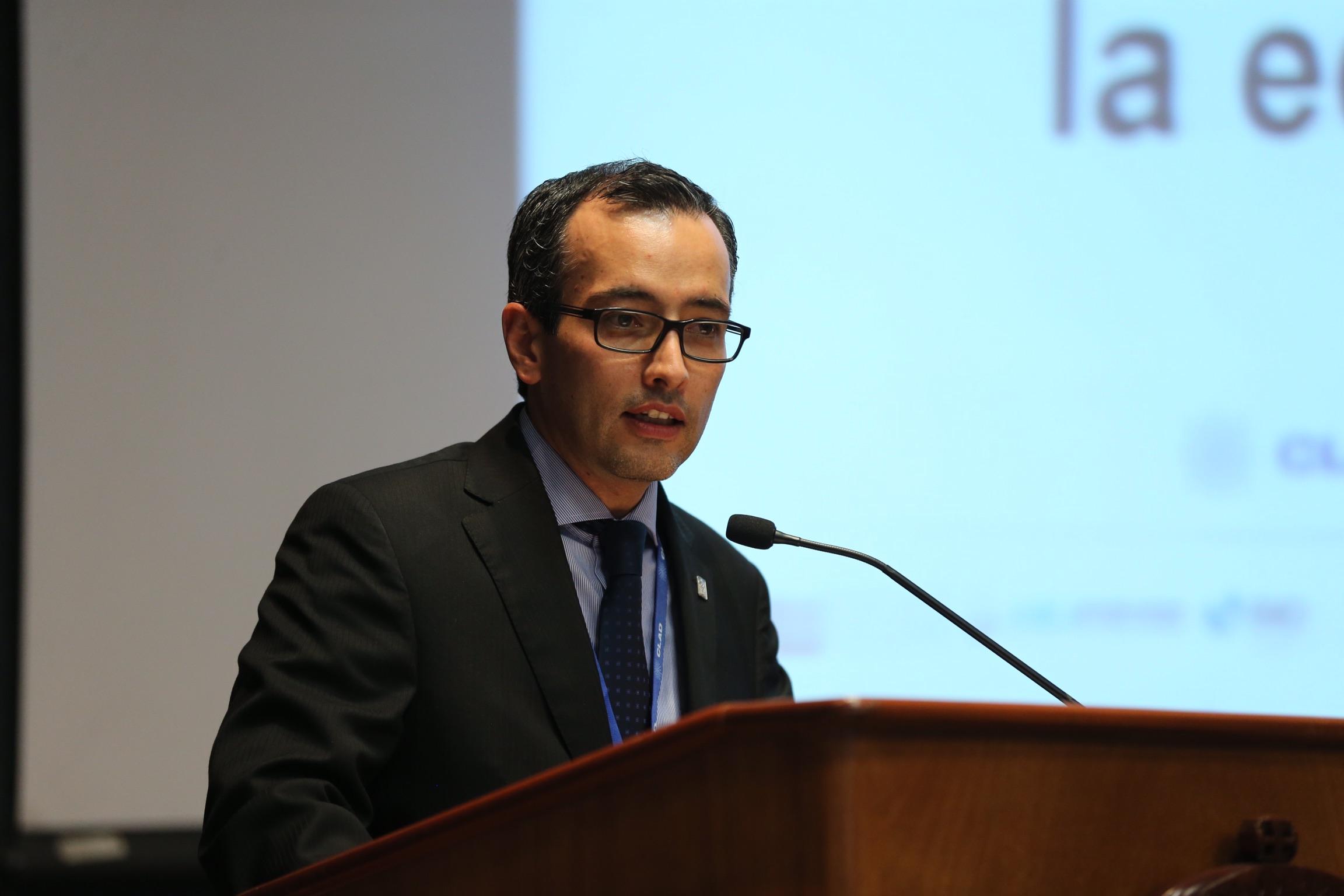Coordinador General de Cooperación e Internacionalización (CGTI), de la Universidad de Guadalajara (UdeG), doctor Carlos Iván Moreno, haciendo uso de la palabra