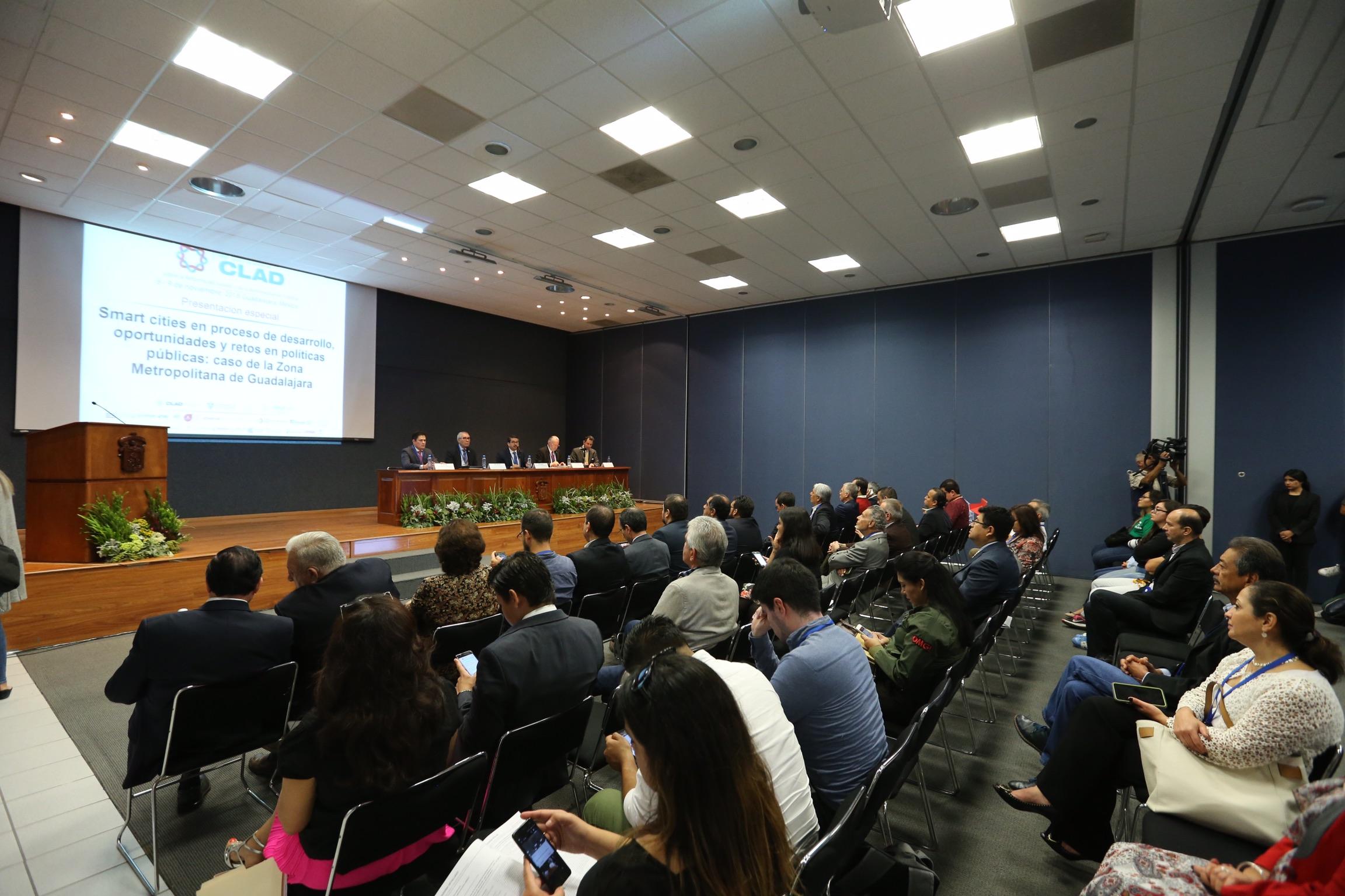 Vista panorámica del Congreso Internacional del Centro Latinoamericano de Administración para el Desarrollo (CLAD) 2018; llevado a cabo en instalaciones del CUCEA.