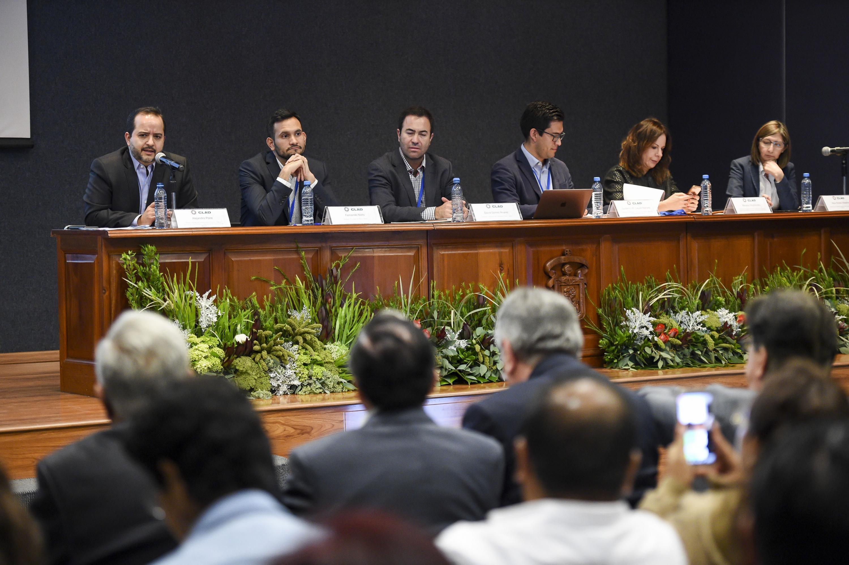 """Panel """"El Plan de Austeridad del gobierno de Andrés Manuel López Obrador"""", en el marco del vigésimo tercer Congreso Internacional del Centro Latinoamericano de Administración para el Desarrollo (CLAD) 2018"""