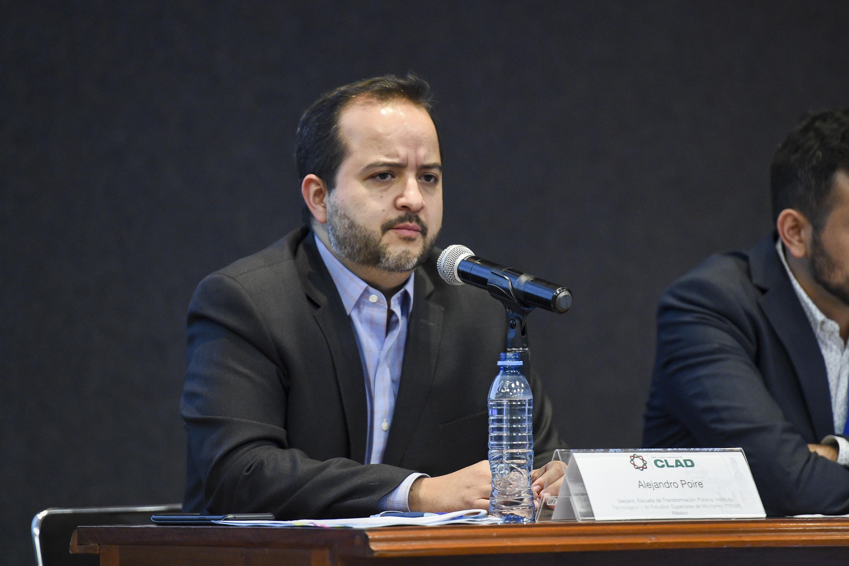 Doctor Alejandro Poiré, Decano de la Escuela de Transformación Pública del Instituto Tecnológico y de Estudios Superiores de Monterrey (ITESM), haciendo uso de la palabra