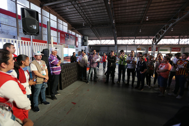 Operativo especial organizado por la Vicerrectoría Ejecutiva de la Universidad de Guadalajara, para brindar apoyo a la caravana de migrantes.