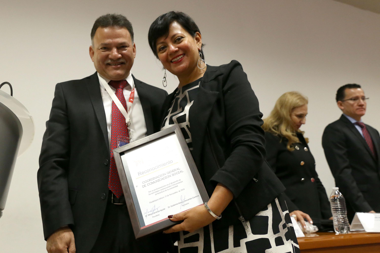 EN representacion del COMSOC UDG fue la maestra Claudia Alejandra Contreras Navarro