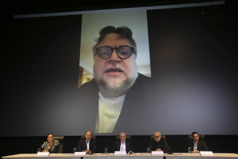 Guillermo del Toro estuvo presente en el anuncio por medio de una videoconferencia